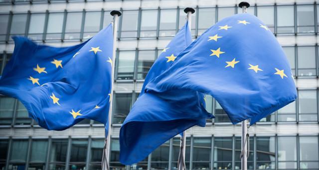 UE minaccia Italia sul deficit