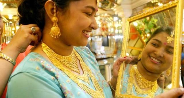 Le quotazioni dell'oro legate non solo al super dollaro e ai tassi USA, ma forse più che altro alle vicende dell'India.