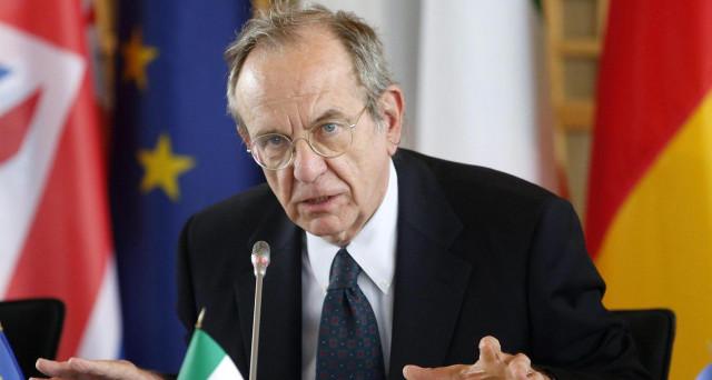 Il fallimento della gestione Padoan al Tesoro è sotto gli occhi di tutti. In tre anni, l'Italia è senza crescita, con un deficit sopra gli obiettivi fissati e senza un piano per abbattere il debito e rilanciare l'economia.