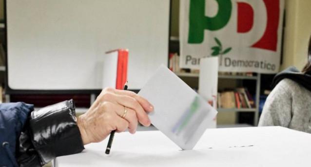 Aumentano le divergenze tra Matteo Renzi ed Enrico Letta che annuncia pieno sostegno ad Andrea Orlando per le primarie del Partito Democratico. Intanto dai circoli Pd arrivano i primi dati sulle preferenze. Renzi sarebbe in testa con il 64%