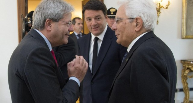 Il segretario del PD, Matteo Renzi, è più solo di poche settimane fa. A prenderne le distanze sono diversi membri del governo, che mostrano insofferenza verso la sua politica.