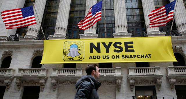 L'IPO di Snapchat è la più grande degli ultimi anni, ma le azioni sembrano sopravvalutate e ieri sono schizzate al loro primo giorno in borsa del 44%. Vediamo i numeri.