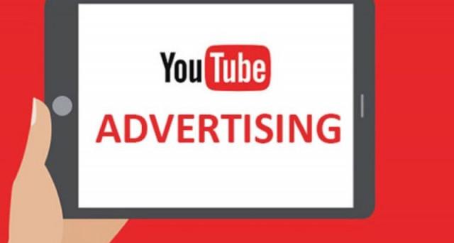 Fuga dalla pubblicità su YouTube di alcuni colossi americani. Gli inserzionisti temono di associare la propria immagine a siti offensivi. Google corre ai ripari, ma potrebbe subire danni per 750 milioni.