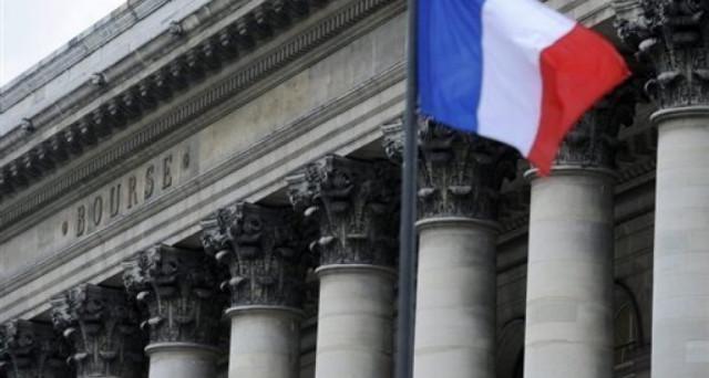 Investire dopo il primo turno delle elezioni presidenziali in Francia: ecco la probabile reazione del cambio euro-dollaro, bond e azioni ai vari risultati possibili.