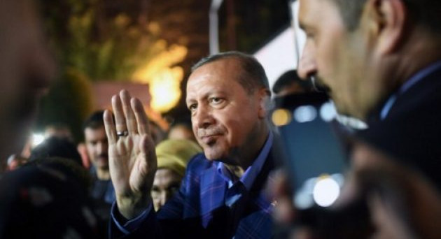 Lira turca in rally dopo la vittoria di Erdogan al referendum di domenica, ma i mercati potrebbero aver dato una lettura sbagliata dell'evento.