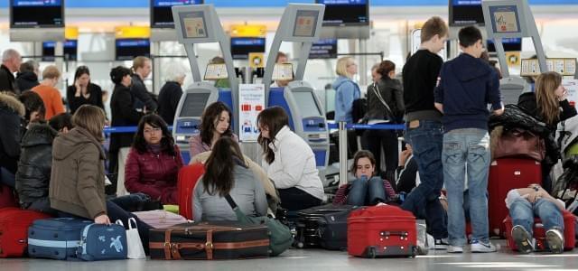 L'overbooking sui biglietti aerei ha provocato un grave danno d'immagine per le compagnie, che corrono ai ripari e annunciano modifiche alle loro politiche.