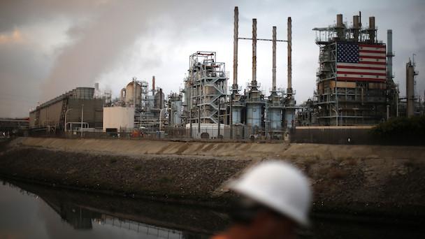 Crescono scorte di petrolio USA