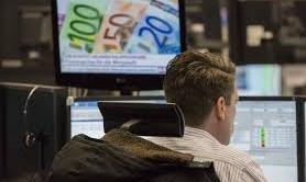 Rendimenti tedeschi ai minimi e oro ai massimi da inizio novembre. E Deutsche Bank prevede che il cambio euro-dollaro scenderà alla parità, indipendentemente dal voto in Francia.