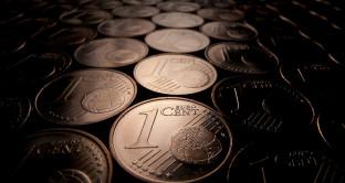Addio alle monete da 1 e da 2 centesimi: lo Stato ci guadagna, ma il consumatore?