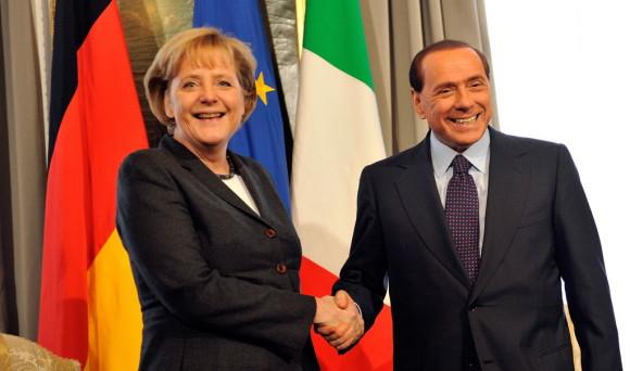 Silvio Berlusconi prende le distanze dal lepenismo e ambisce al modello Merkel. Ma che ci azzecca con le posizioni della cancelliera tedesca, che ha contrastato da sempre?
