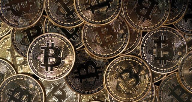Prezzi Bitcoin oltre 1.700 dollari