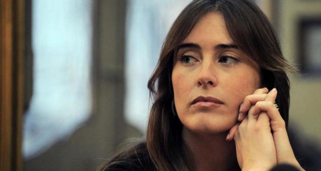 Maria Elena Boschi sotto accusa sul crac di Banca Etruria, ma il caso non è giudiziario. Semmai è la politica cialtrona di questi anni a dover essere alla berlina, segno di decadenza.