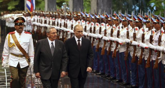 Cuba torna a importare petrolio dalla Russia per la prima volta dalla fine dell'Unione Sovietica, mentre il Venezuela collassa e gli USA sono in allarme per le possibili conseguenze di un crac di Caracas.