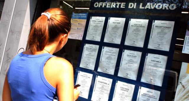 Tasso di disoccupazione in calo dello 0,4% all'11,1% in aprile. Lo dicono gli ultimi dati Istat, che segnalano la creazione di 94.000 posti di lavoro nel mese.
