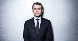Macron richiama la grandezza della Francia come guida per il mondo nel discorso dell'insediamento. Ecco i primi problemi: una fabbrica occupata e 'minata'.