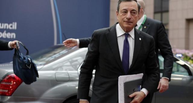 La BCE di Mario Draghi potrà concentrarsi sui dati macro dell'Eurozona, dopo la vittoria di Macron in Francia. Al board di giugno inizierà a cambiare linguaggio, preannunciando la fine degli stimoli.