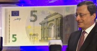 Cambio euro-dollaro ai massimi dalla vittoria di Donald Trump alle elezioni USA. Vediamo perché il mercato si butta sulla moneta unica e quale connotazione abbia tutto ciò per la BCE di Mario Draghi.