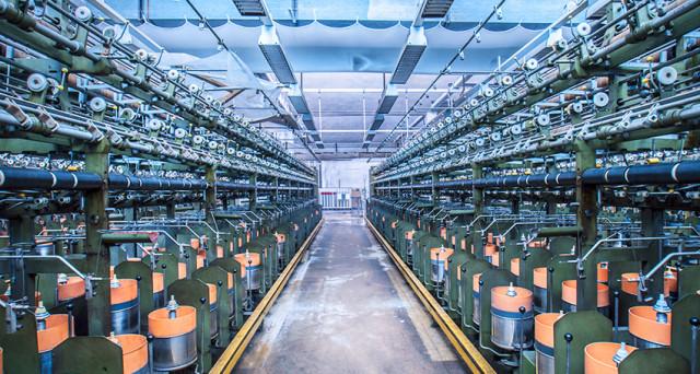Dati negativi per la produzione industriale a novembre ma intanto Di Maio sogna il boom economico.