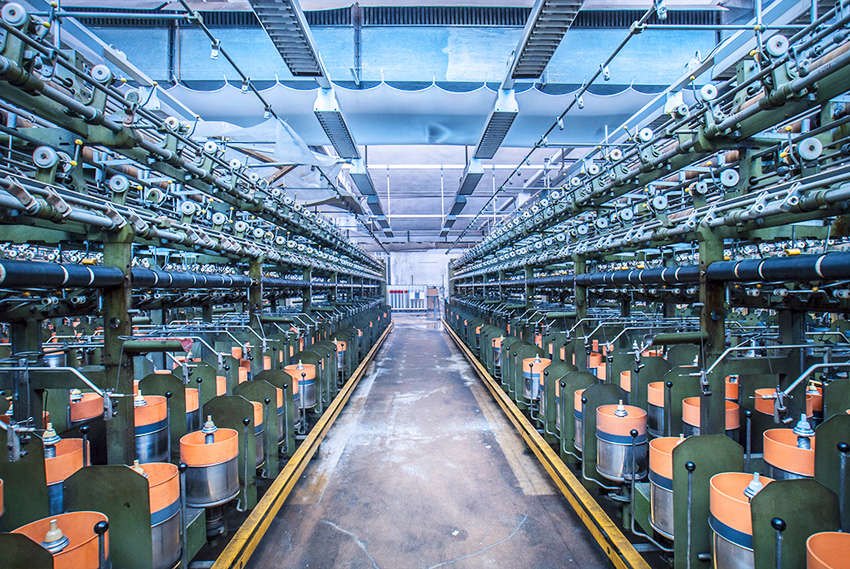 Industria, produzione a picco: intanto Di Maio pensa al boom economico