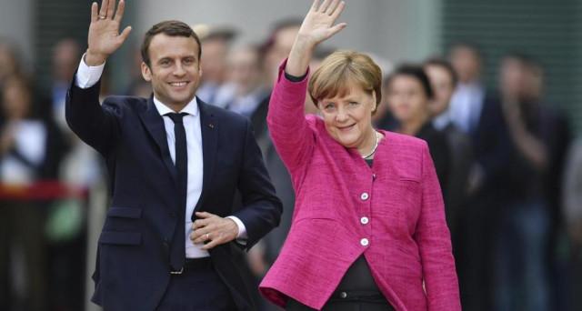 Merkel con Macron: Modificare i trattati europei è possibile