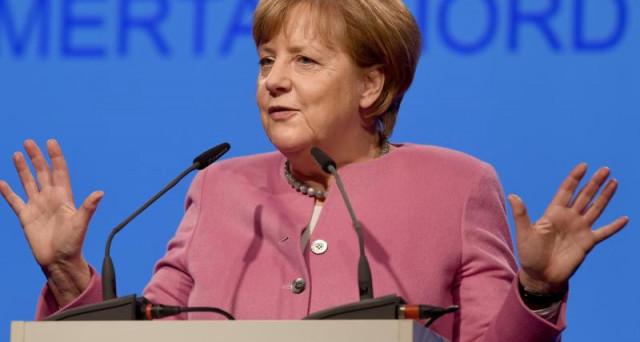 Test per la cancelliera Angela Merkel. Entro domenica 14 maggio si vota in due Laender e l'effetto Schulz per i socialdemocratici sembra già grosso modo svanito. in Germania, si vota a settembre per rinnovare il Bundestag.