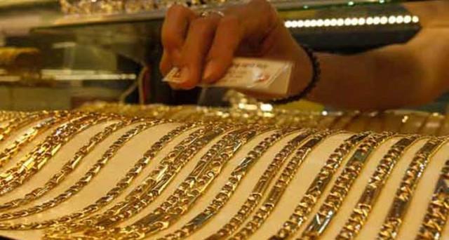 E' boom per la domanda e le importazioni di oro in India, dopo un 2016 da dimenticare. Ma l'imminente arrivo dell'IVA minaccia il metallo nel suo secondo mercato al mondo più importante.