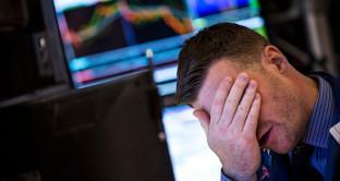Prezzo del petrolio nuovamente verso 55 dollari, ma un altro crollo è possibile. L'equilibrio del mercato mondiale sarebbe meno vicino di quanto s'immagini.