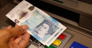 Sterlina ai massimi da settembre contro il dollaro