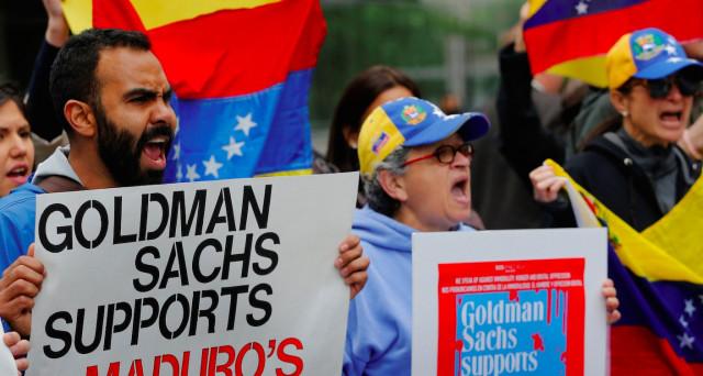 Venezuela e Goldman Sachs, un legame che fa discutere dopo il maxi-investimento della banca d'affari americani sui bond del paese andino. Ne è nata una discussione sull'etica della finanza.