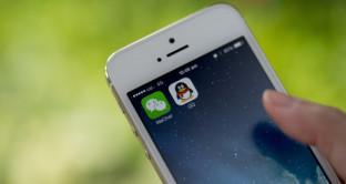 L'iPhone di Apple subisce un arresto in Cina, dove si sviluppano concorrenti temibili. Tim Cook dovrebbe fare attenzione a WeChat, l'app che spopola tra i cinesi.