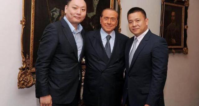 A lanciare l'allarme è il Financial Times: molte società cinesi sono sotto osservazione nella madrepatria. Il patron del Milan e i suoi debiti.