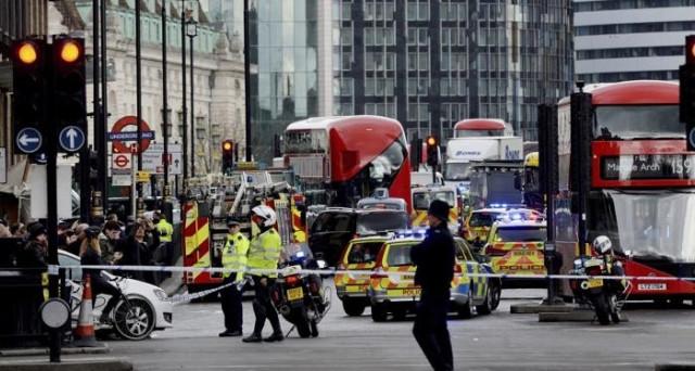 Attentato Londra: Trump contro sindaco Khan, scoppia il caso. Ecco cosa pensano in merito Corbyn e la Rowling.