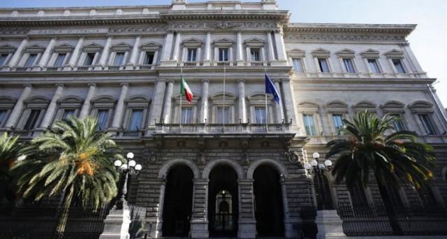 Banche italiane salvate con soldi pubblici e a loro volta tengono a galla i conti dello stato in questi anni di crisi. Un circolo vizioso, che fa perdere solo i contribuenti.