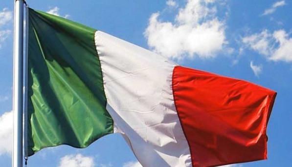Fanno discutere le parole di un generale della Folgore contro lo ius soli, legge che renderebbe l'Italia un inferno afro-islamico. Scontro con il governo.
