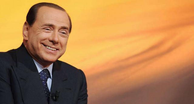 E se Berlusconi volesse distruggere Renzi con tutto il PD?