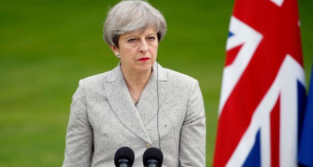 Brexit, May tratta con UE da oggi