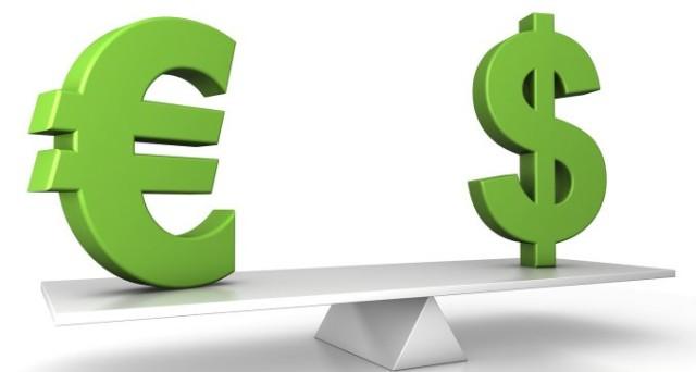 Cambio euro-dollaro ai massimi da un anno