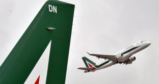 Anche in questo caso a pagare saranno i cittadini? Lo scontro Assaeroporti-Enac che rischia di bloccare i voli Alitalia.