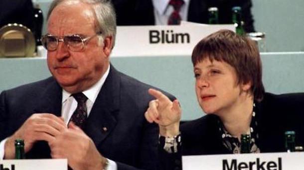 Il padre dell'euro, Helmut Kohl, morto venerdì scorso, è stato un gigante politico. Pur essendo stato il mentore della cancelliera Angela Merkel, tra i due esistono diverse oggettive.