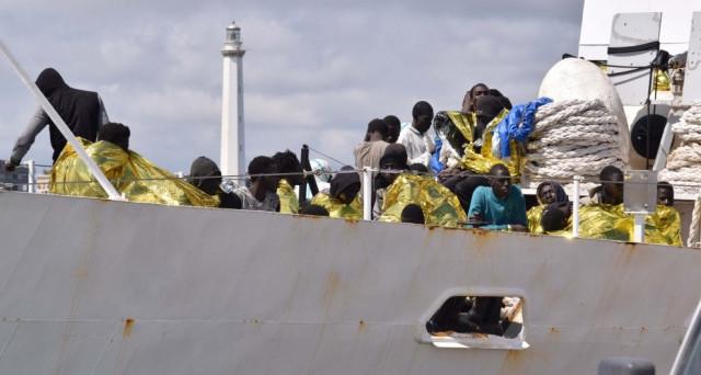 Centri di detenzione migranti; chi ci guadagna? Ecco cosa cambierà a luglio 2017 in Italia e le info sull'arrivo delle sanzioni contro Repubblica Ceca, Ungheria e Polonia.