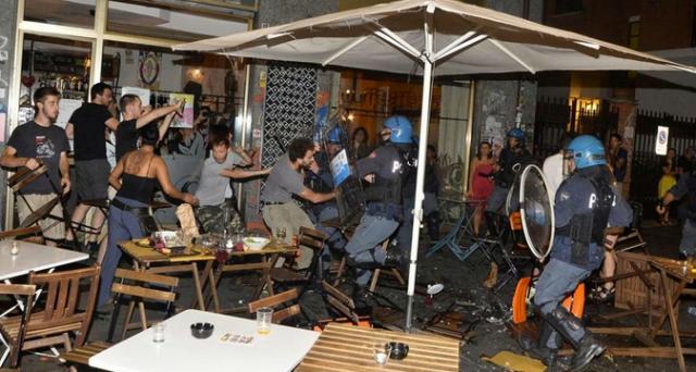 Gli scontri di Piazza Santa Giulia a Torino rischiano di portare alla spaccatura il M5S: la Appendino ha commesso davvero un errore politico?
