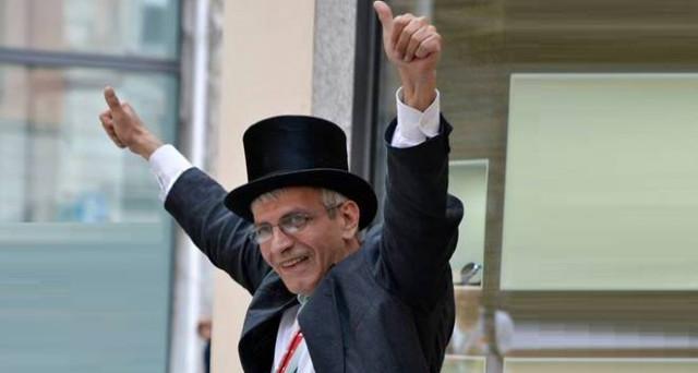 Chi è Stefano Torre, eletto con un programma che prevede l'abolizione della morte (e tanto altro!)
