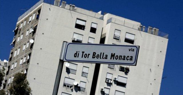 La questione delle case poolari e delle assegnazioni, soprattutto a Roma, è sempre al centro dell'attenzione: ecco cos'è successo a Tor Bella Monaca.