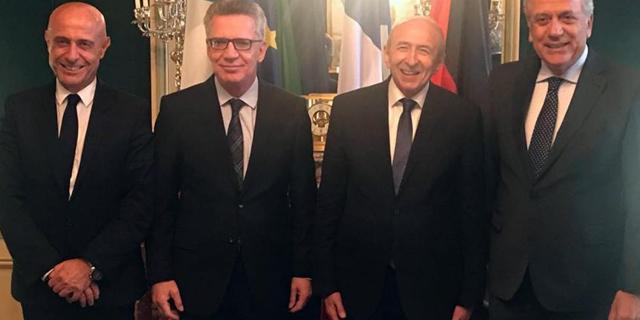 Ecco cosa prevede la 'grande intesa' tra Italia, Francia e Germania sull'emergenza migranti: perché rappresenta l'ennesima beffa al nostro debole paese.
