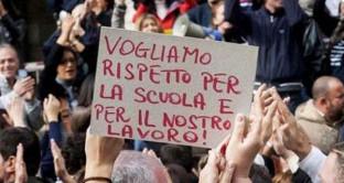 Caos Miur: la protesta parte da Napoli per la scomparsa dei posti per le immissioni in ruolo 2017-2018. I docenti sono in rivolta.