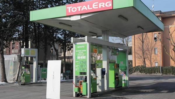 Primi movimenti al rialzo dei prezzi di benzina e diesel alla pompa. TotalErg ha alzato di 1 centesimo per tre giorni consecutivi i listini