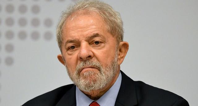 L'ex presidente Lula è stato condannato per corruzione a 9 anni e 6 mesi di reclusione. La borsa festeggia in Brasile, allontanandosi lo spettro di un suo ritorno al governo della prima economia sudamericana. Approvata la riforma del lavoro, abbastanza controversa.