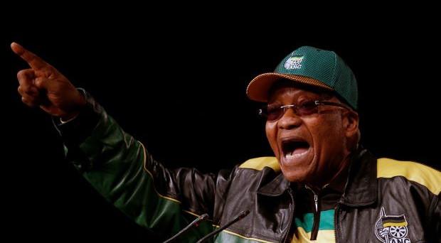 Sudafrica verso una deriva in stile Zimbabwe con la minaccia del presidente Zuma di espropriare senza indennizzo le terre ai bianchi.