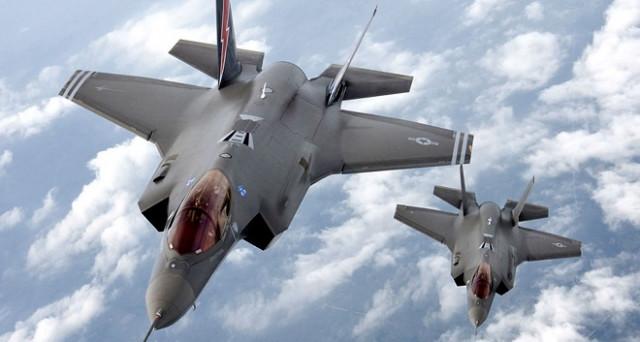 Ecco quanto costano F-35 e Canadair: l'Italia brucia, ma arriva il monito della Corte dei Conti: costano il doppio, ma gli F-35 vanno acquistati.