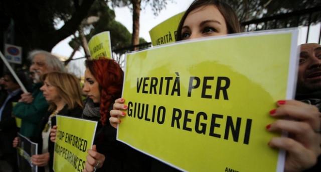 Il caso Regeni si risolve in un nulla di fatto e a comandare sulle scelte italiane è stata la Libia. Cosa produce l'insensato terrore per i migranti.